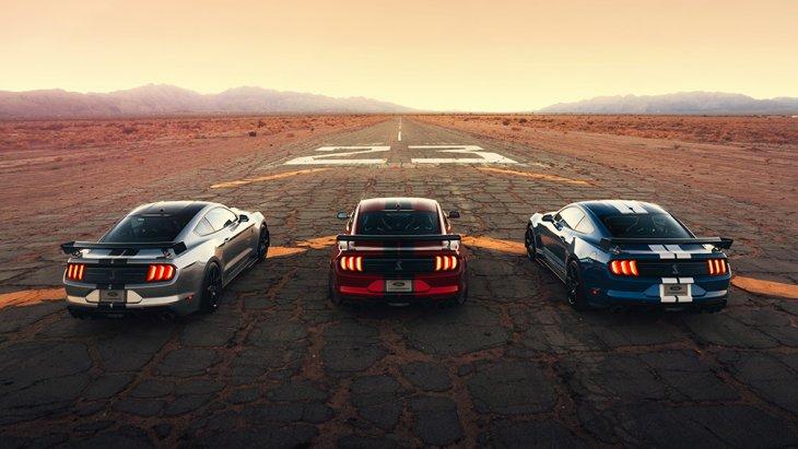 โดย Ford Mustang Shelby GT500 2020 จะเริ่มวางจำหน่ายในช่วงฤดูใบไม้ร่วงปีนี้ (ประมาณเดือนกันยายน-พฤศจิกายน) ซึ่งจะเป็นเวอร์ชั่นโหดกว่า Ford Mustang Shelby GT350 ที่ Ford มีให้เลือกอยู่ตอนนี้ ในราคาเริ่มต้น 59,140 ดอลลาร์ หรือราว 1.8 ล้านบาท