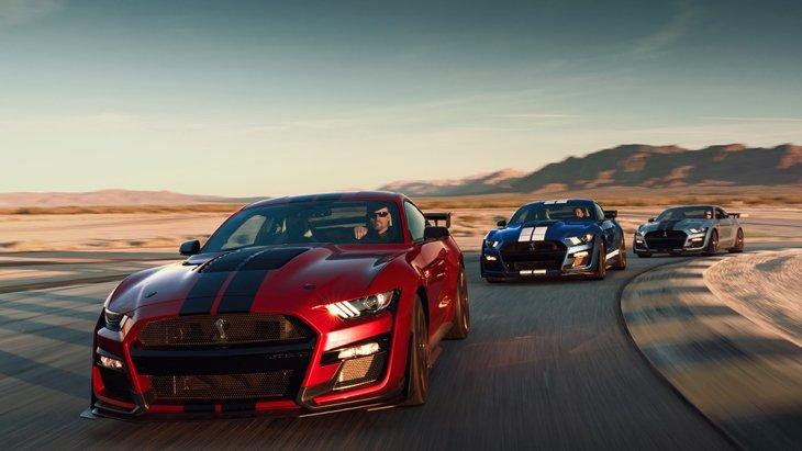 ซึ่ง  Ford Mustang Shelby GT500เป็นแนวคิดของอเมริกันมัสเซิลคาร์ ที่แต่เดิมจะเป็นรถบิ๊กคูเป้ ลงเครื่องยนต์ใหญ่