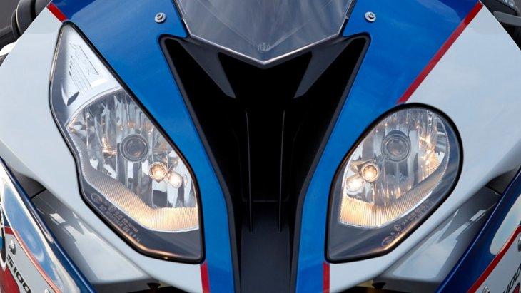 BMW S 1000 RR ดุดัน ด้วยหน้ากากที่แยกส่วน และยังมีช่องระบายอากาศขนาดใหญ่