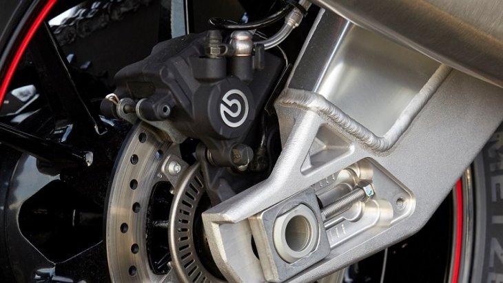BMW S 1000 RR เสริมความมั่นใจในทุกการขับขี่ด้วย ระบบ BMW Motored race ABS
