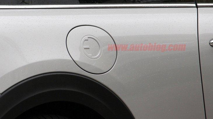 ช่องชารจ์พลังงานของ MINI Cooper S E 2020