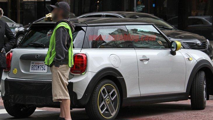 มีความเป็นไปได้ที่ MINI Cooper S E 2020 จะมีวางจำหน่าย ในบ้านเราเช่นเดียวกับแบรนด์พรีเมียมอื่น ๆ ตอนนี้ ซึ่ง Audi มี e-Tron และ Jaguar มี i-Pace วางจำหน่ายแล้ว