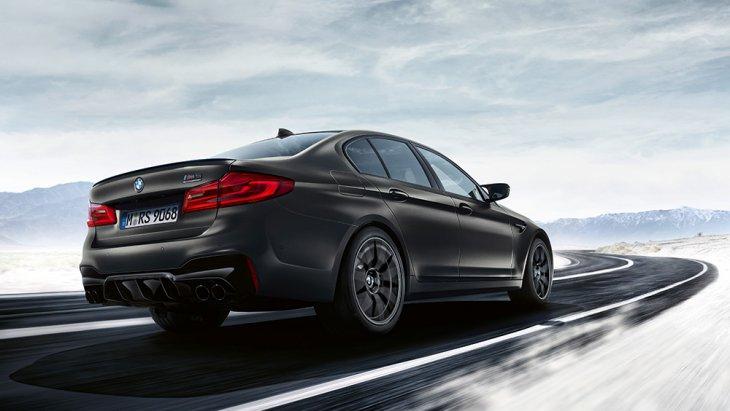 BMW M5 Edition 35 ด้วยอัตราเร่งนี้ในทางตรง อาจต้องควบ Ferrari F8 Tributo 2019 หรือ Lamborghini Huracan Evo 2019 หรือ Porsche 911 Turbo ที่ติดตั้ง Sport Chrono Package ขึ้นไป ซึ่งจะไวกว่าอยู่ 0.4 วินาที แต่ BMW M5 Edition 35 ราคาเกิน 1 แสนดอลลาร์
