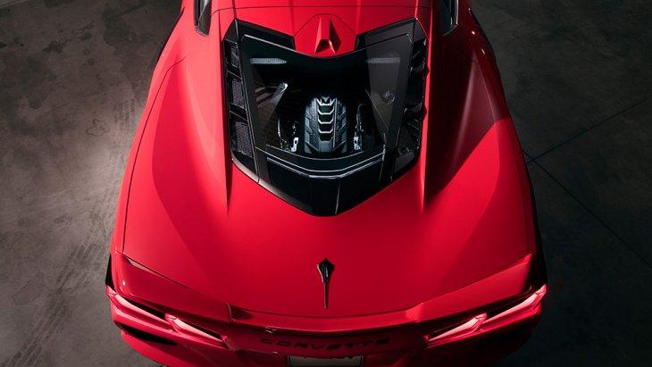 All-new Chevrolet Corvette Stingray 2020 จึงเป็น Corvette รุ่นแรกที่ได้ใช้เครื่องยนต์วางกลางลำด้านท้าย และยังเป็น Corvette ที่ไวและทรงพลังที่สุด