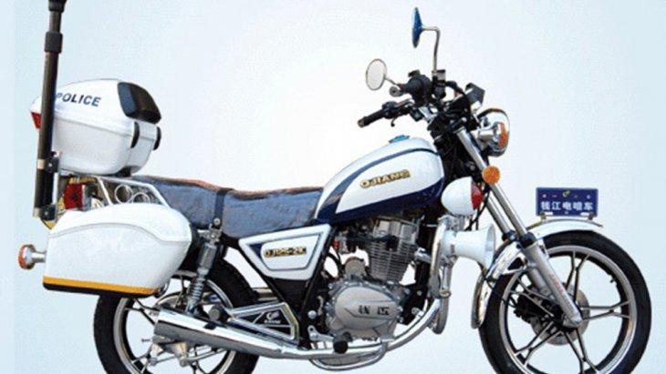 เนื่องจากขนาด พละกำลังและราคาไม่สูงจนเกินไป เรียกว่าพอดีขี่ พอดีใช้ เหมาะกับชีวิตมากกว่าบิ๊กไบค์คันใหญ่โตเข้าถึงยาก โดยรถมอเตอร์ไซค์ขนาดเล็กรุ่นใหม่ของ Harley Davidson นี้ จะเริ่มขายจีนก่อนเป็นแห่งแรก