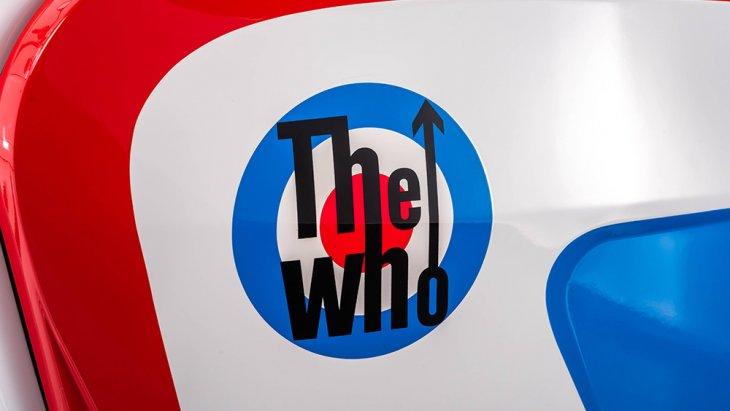 โลโก้วง The Who ติดอยู่บนตัวถัง