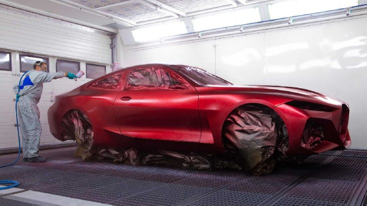BMW Concept 4  ขณะเตรียมประกอบล้อ