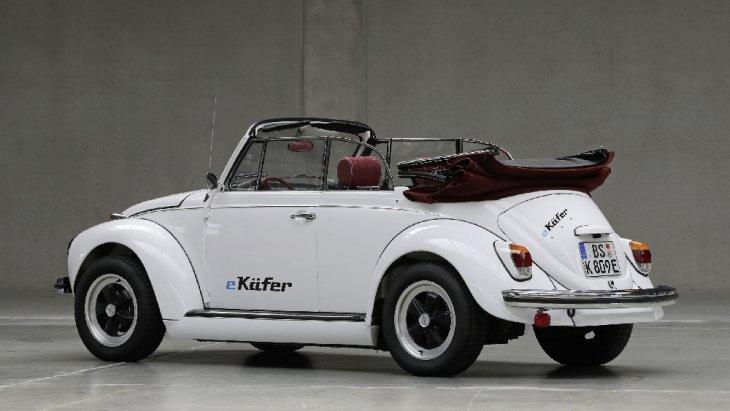 Volkswagen e-Beetle  สามารถเปิดประทุนได้