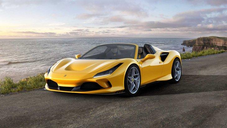 การออกแบบตามหลักอากาศพลศาสตร์เพื่อรองรับกับตำแหน่งของเครื่องยนต์ที่ถูกวางไว้กลางลำตัวของรถยนต์ เพื่อโชว์ประสิทธิภาพของเครื่องยนต์ V8  ที่มากับรถยนต์รุ่นนี้ พร้อมด้วยการช่องดักอากาศ S Duct