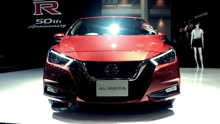 ราคาและตารางผ่อน ดาวน์ Nissan Almera
